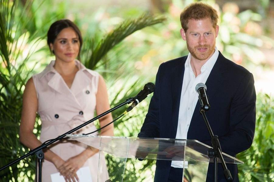 Meghan harcelée par les médias, le prince Harry porte plainte