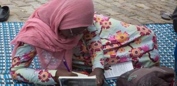 [Photos] 4 h sans téléphone, juste 1 livre : Le nouveau défi sénégalais