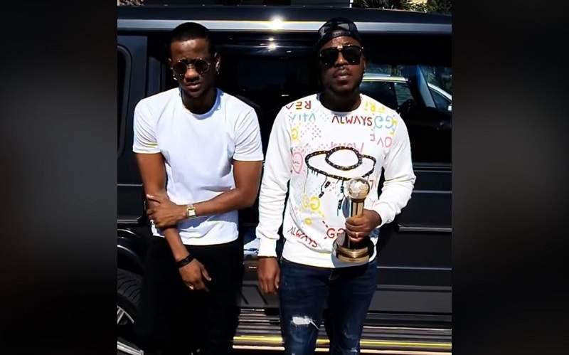 King Mensah félicite le groupe Toofan