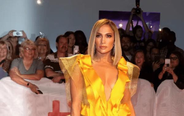 VIDEO. Une agence de paparazzi réclame 150.000 dollars à Jennifer Lopez