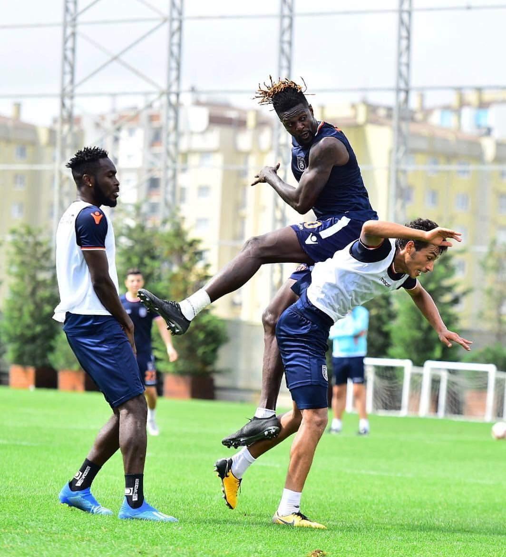Pour avoir réclamé son salaire, le Togolais Emmanuel Adébayor 'écarté' de son club