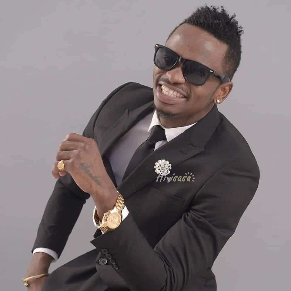 Double heureux événement pour le chanteur tanzanien Diamond Platmunz