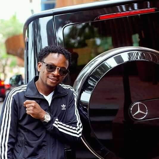 Dépassé par les critiques, le milliardaire togolais Baba Sandjisco supprime sa page Facebook