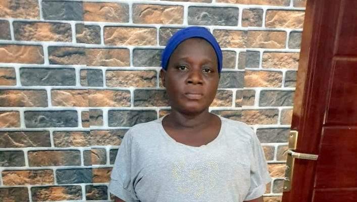 Une grand-mère tue sa  petite fille de deux jours, les raisons