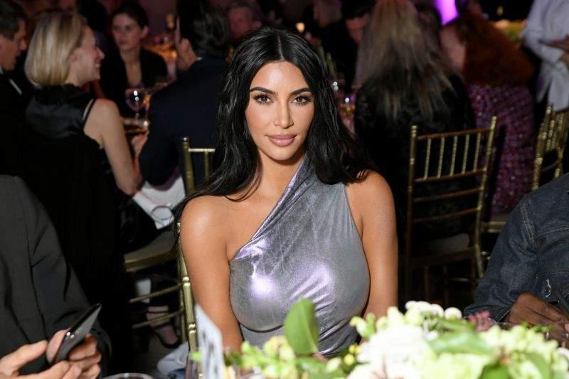 Kim Kardashian en rogne, la go réclame 10 millions de dollars pour atteinte à son droit à l'image