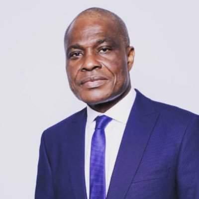 RDC : découvrez cette inscription étonnante sur la carte de visite de Martin Fayulu