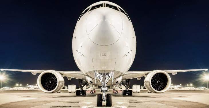 Deux avions entrent en collision à l'aéroport d'une grande ville Européenne