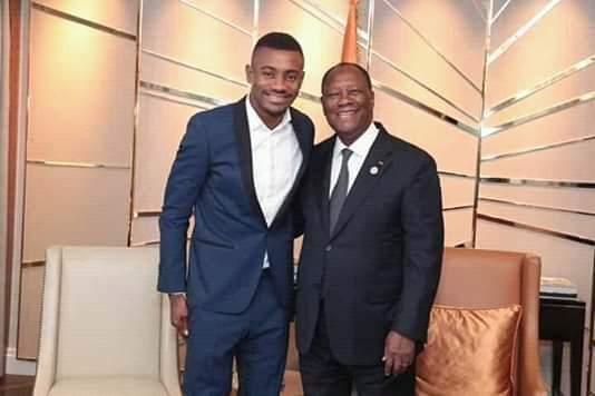 À Berlin , Alassane Ouattara échange avec Salomon Kalou