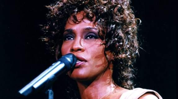 Le destin brisé de Whitney Houston bientôt sur grand écran