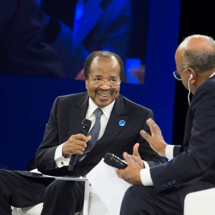 A Paris, Paul Biya a du mal à parler Anglais (vidéo)
