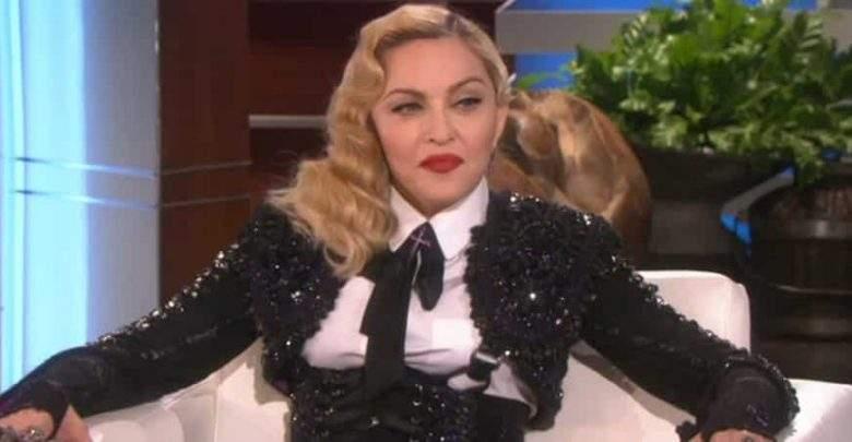 People : La méga star Madonna avoue boire son urine après ses concerts