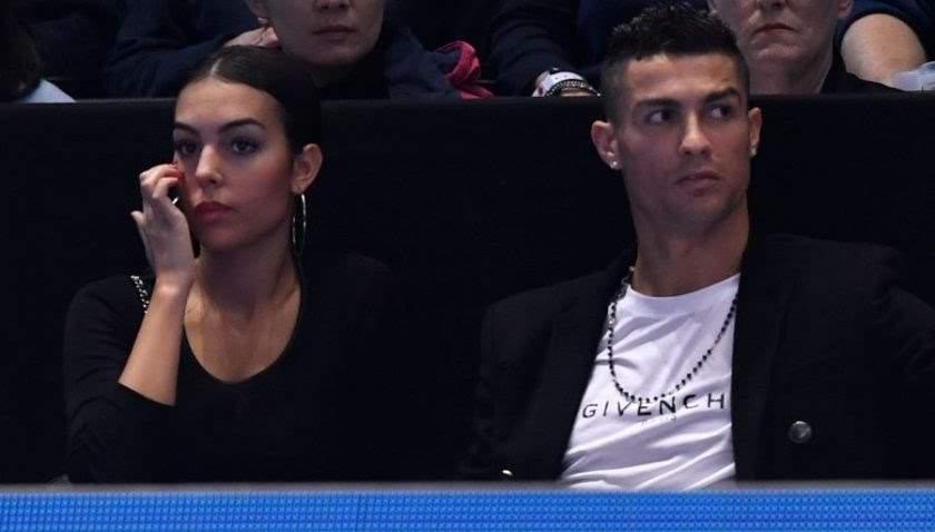 Le Footballeur Cristiano Ronaldo est en deuil