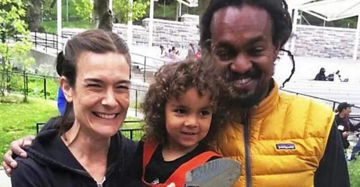 Un homme noir décapite sa femme, puis il tranche la gorge de leur fille de cinq ans avant de se pendre.
