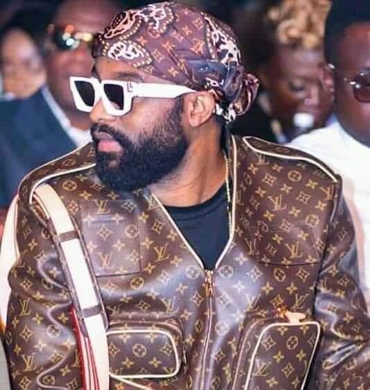 Fally Ipupa est t-il le nouveau roi de la Sapologie ?