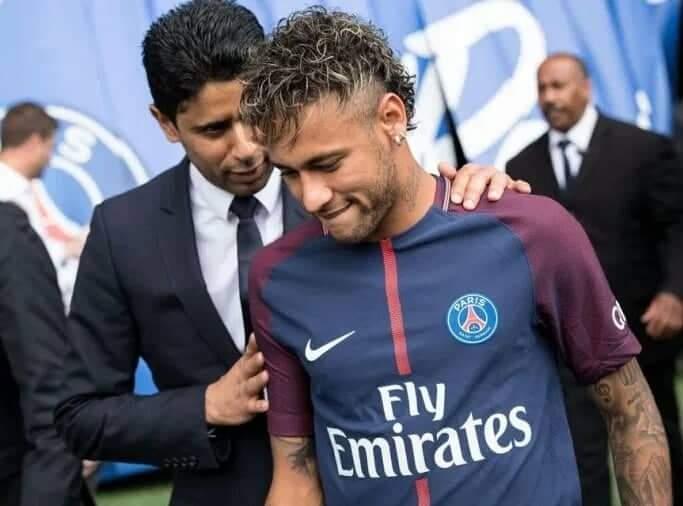 Mercato-PSG : Nasser Al-Khelaïfi se questionne sur le sort de Neymar