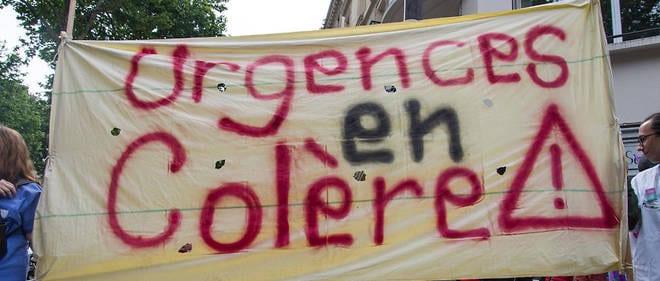 France: Plus de 1000 médecins démissionnent suite à une fronde.