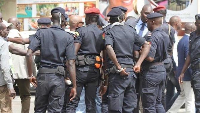 Congo: Un policier attaqué par la foule après avoir abattu un jeune homme