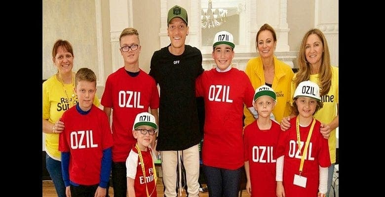 Arsenal : Mesut Ozil va financer les opérations chirurgicales de 1 000 enfants