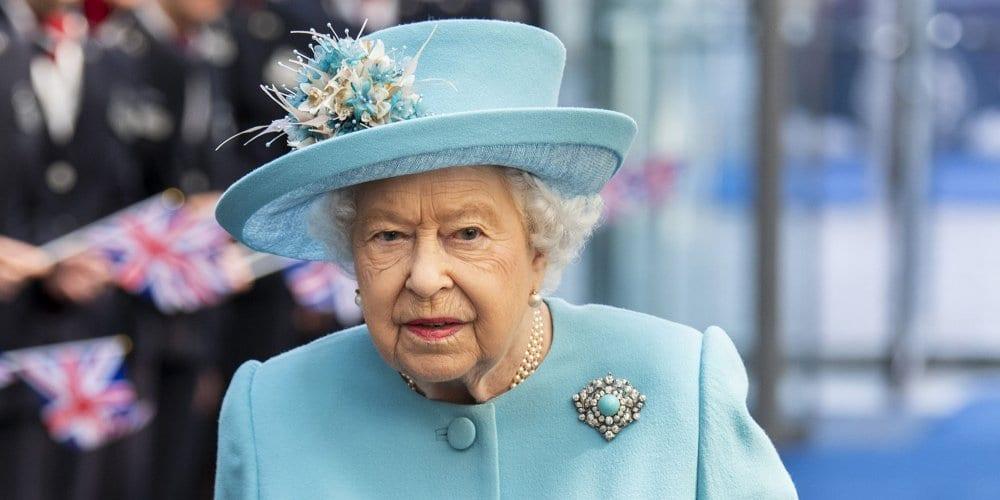 Pourquoi Elizabeth II peine à rédiger son traditionnel discours pour les fêtes ?