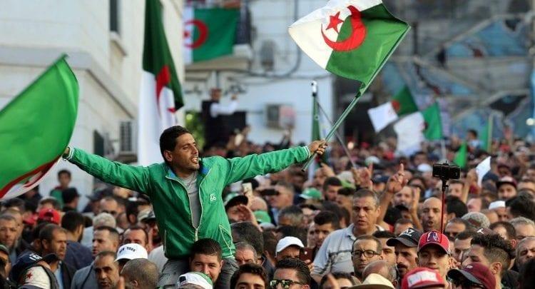 Election présidentielle/ Algérie: les Algériens contestent la victoire d'Abdelmadjid Tebboune