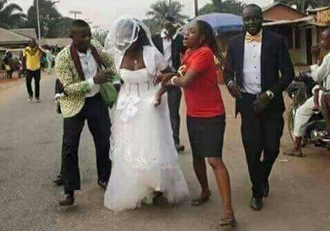 Nigéria : Une jeune femme s'enfuit pendant son mariage