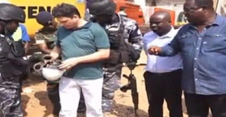 Ghana: le ministre des Routes se rend sur un chantier et ordonne l'arrestation d'entrepreneurs turcs (vidéo)