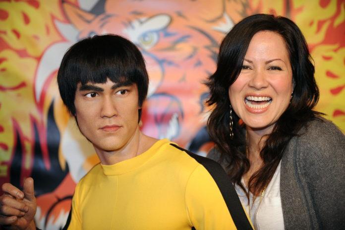 La fille de Bruce Lee réclame 27 millions d'euros à…