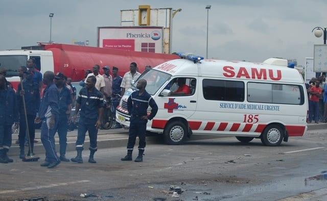 Un individu vole une ambulance pendant que le personnel médical traitait une patiente