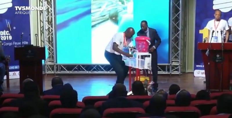 Un citoyen congolais récompensé pour son invention contre Ebola