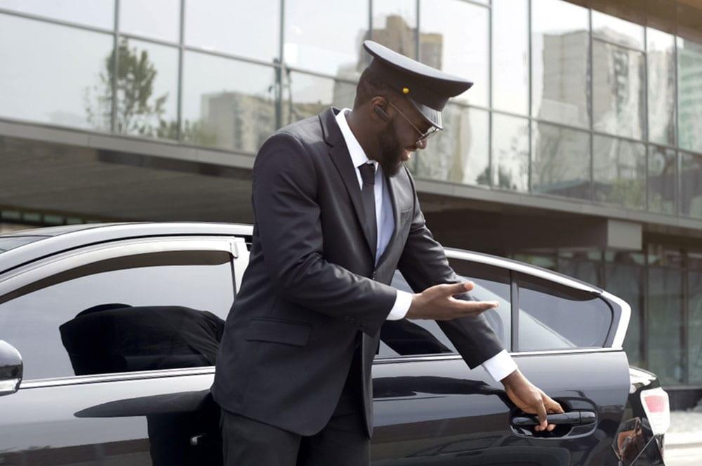 Une société de la place recherche un chauffeur.