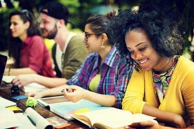 Comment Faire une Demande d'admission dans une Université à l'étranger