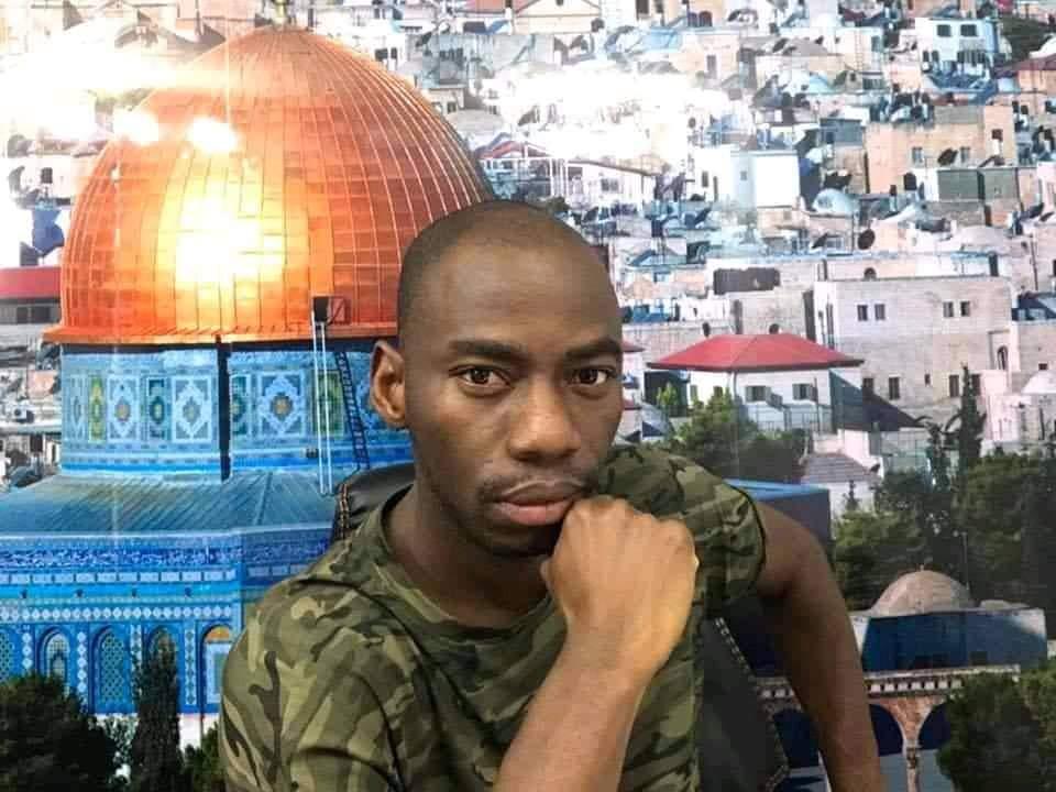 Le Général Makosso insulte Debordo et déclare qu'il a besoin de délivrance