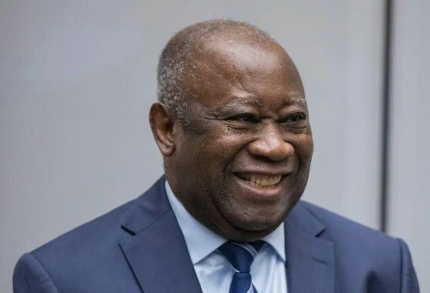 Laurent Gbagbo fait le buzz sur internet malgré lui avec une paire d'Adidas