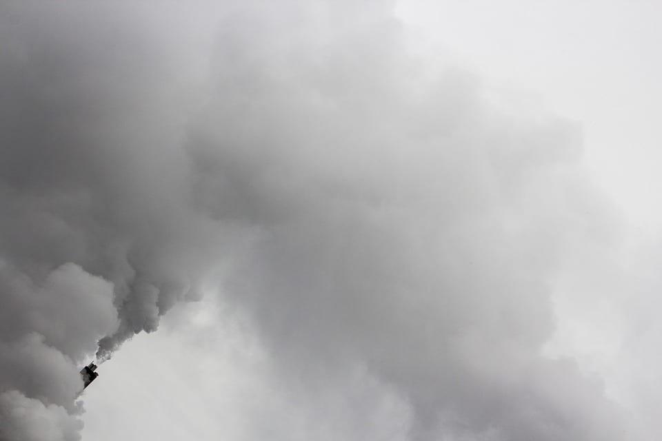 Nigeria: Un pasteur confond eau bénite et essence et provoque une grosse explosion
