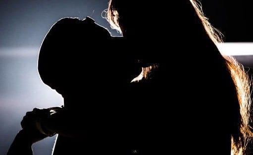 Quelles sont les raisons qui poussent les jeunes filles à perdre leur virg*nité avant le mariage ?