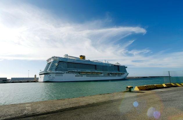 Un bateau de croisière bloqué avec 7000 personnes à cause du coronavirus
