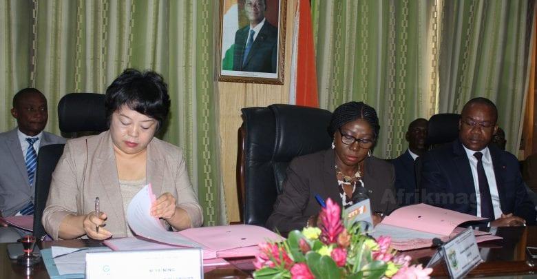 Côte d'Ivoire : Signature d'une convention avec la Chine pour la construction de six lycées