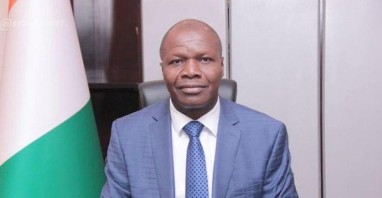 Côte d'Ivoire : la photo d'un ministre crée une polémique sur la toile
