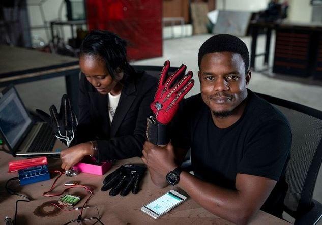 Découvrez les gants qui traduisent les langues des signes en audio