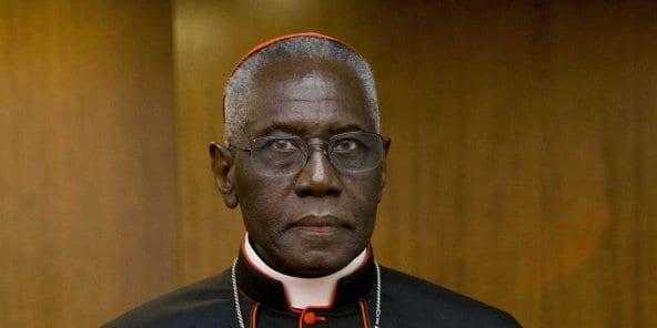 Le guinéen Robert Sarah publie un livre controversé sur le célibat des prêtres