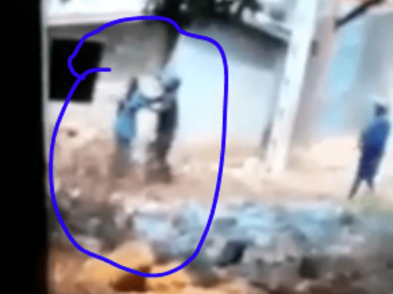 En Guinée, une femme utilisée comme bouclier humain par des policiers de Condé (Vidéo)