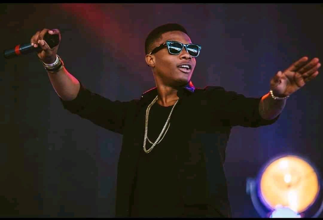 Wizkid signe le plus gros contrat de l'histoire de la musique africaine