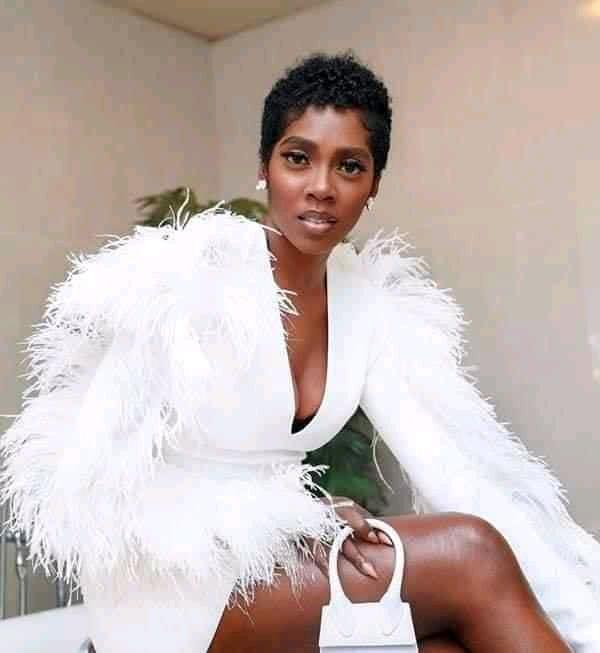 Découvrez en 4 photos le nouveau look de la belle Tiwa Savage