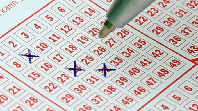 Il remporte 13 millions d'euros en se trompant de numéros au loto