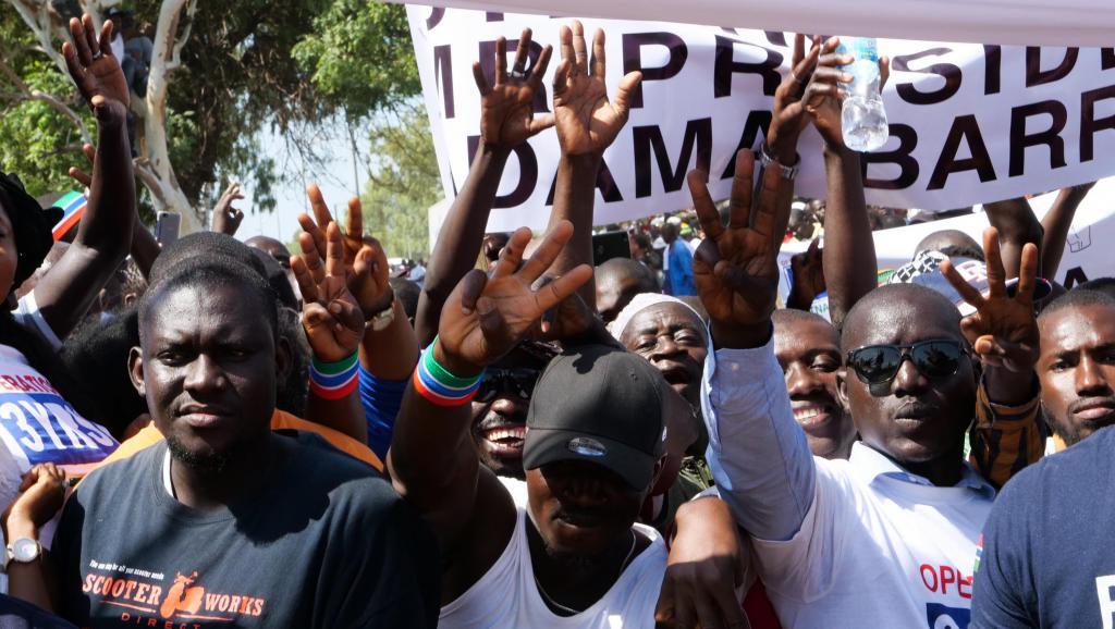 Gambie: situation confuse après une manifestation tendue à Banjul