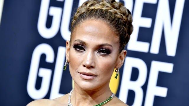 Golden Globes 2020 : la robe étonnante de Jennifer Lopez moquée sur les réseaux sociaux