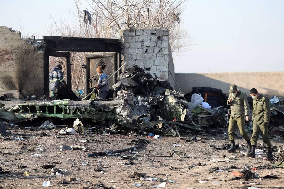 Iran : Un Boeing s'écrase après son décollage et fait 176 morts