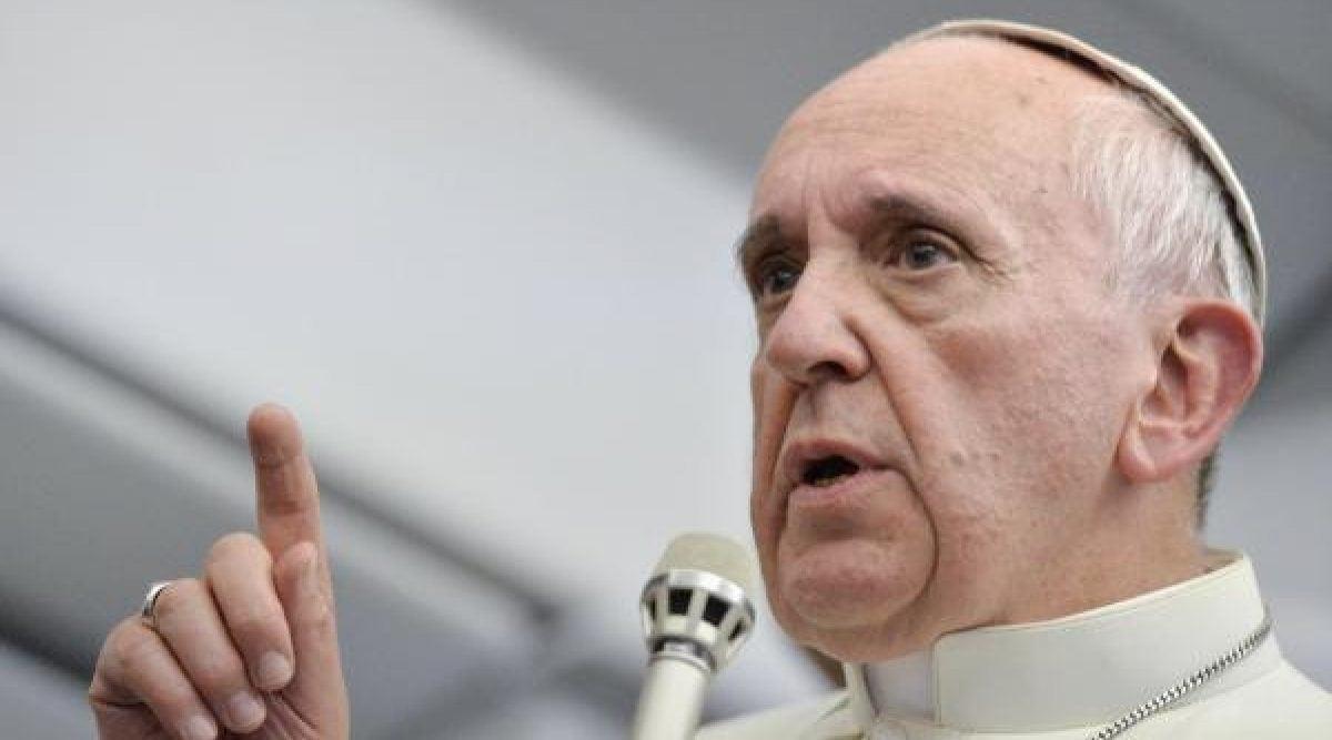 Le pape suggère la psychiatrie pour les homosexuels