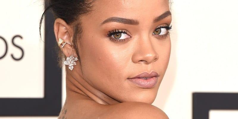 Rihanna filmée toute nue devant son balcon…(VIDÉO)
