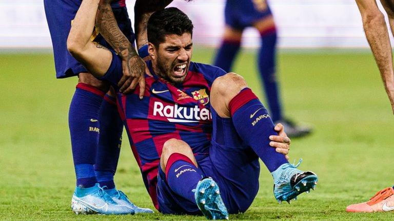 Barça : opéré du genou, Suarez sera absent pour le reste de la saison